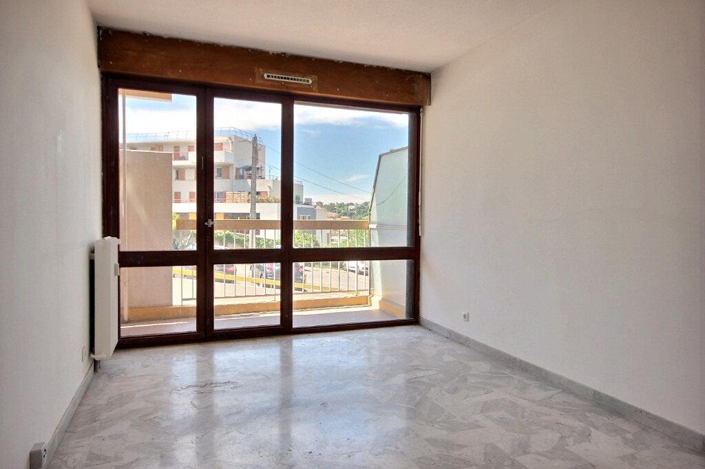 Appartement à louer 2 49m2 à Marseille 13 vignette-4