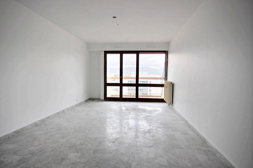 Appartement à louer 4 86.55m2 à Marseille 12 vignette-2