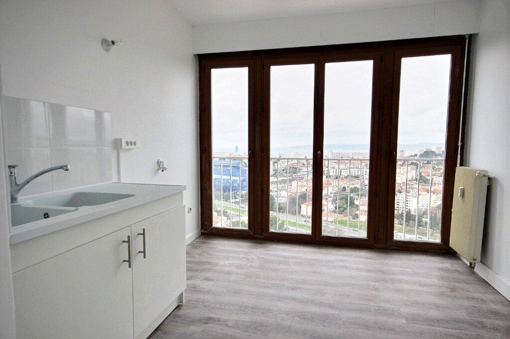 Appartement à louer 4 86.55m2 à Marseille 12 vignette-3
