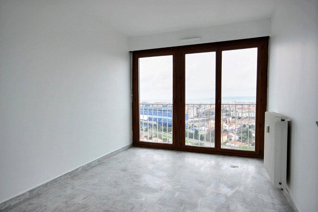 Appartement à louer 4 86.55m2 à Marseille 12 vignette-5