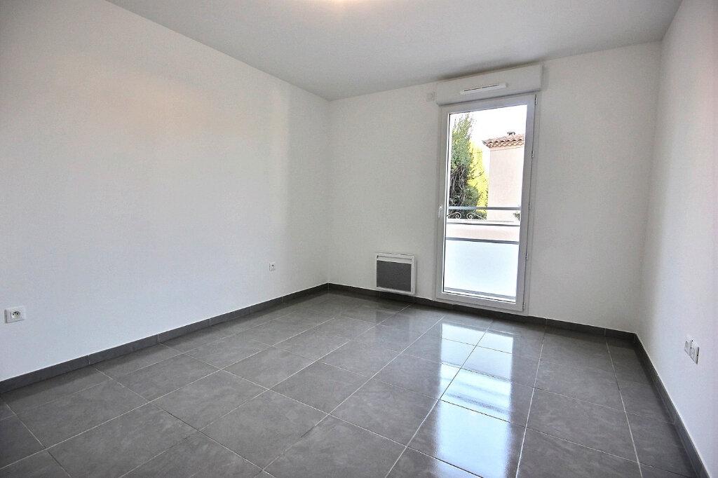 Appartement à louer 3 54.55m2 à Marseille 12 vignette-5