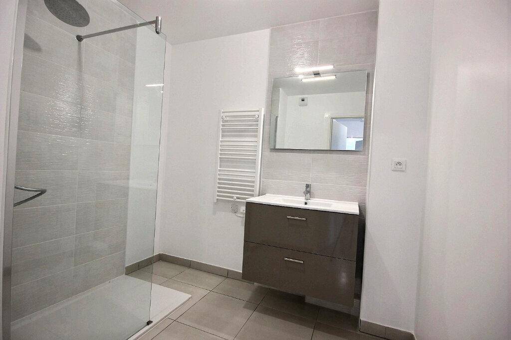 Appartement à louer 3 54.55m2 à Marseille 12 vignette-8