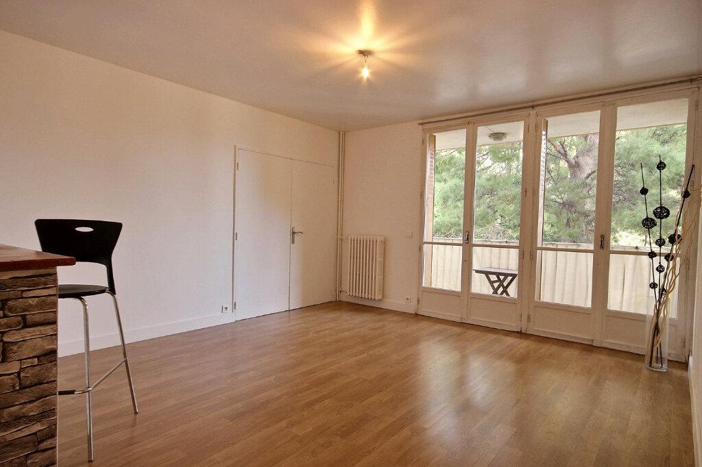 Appartement à louer 3 60m2 à Marseille 12 vignette-1