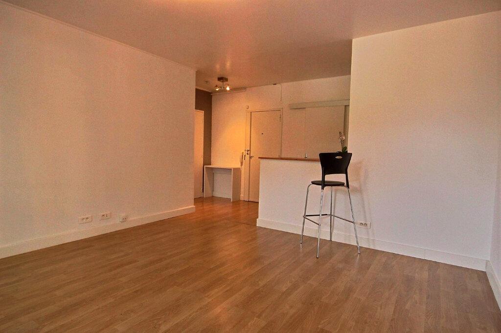 Appartement à louer 3 60m2 à Marseille 12 vignette-3