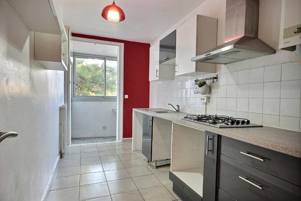 Appartement à louer 3 60m2 à Marseille 12 vignette-4
