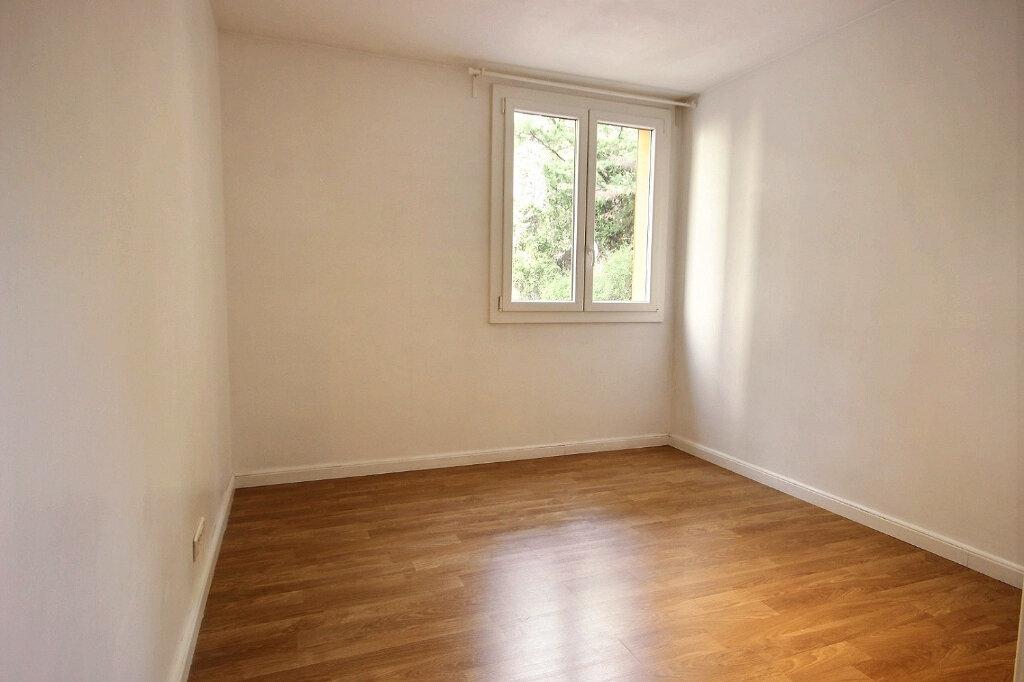 Appartement à louer 3 60m2 à Marseille 12 vignette-7