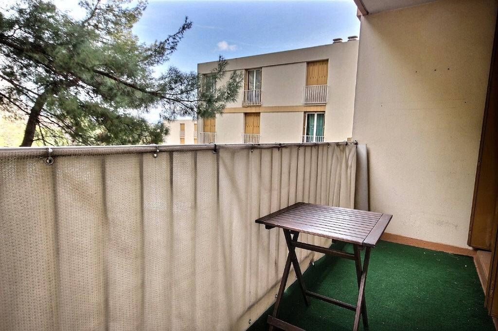 Appartement à louer 3 60m2 à Marseille 12 vignette-9