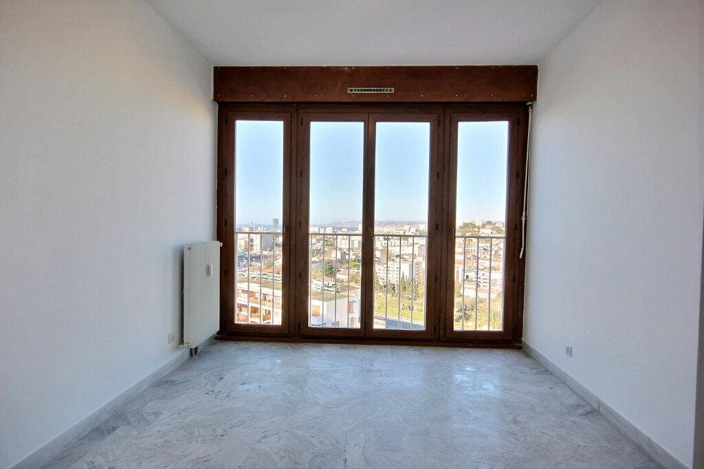 Appartement à louer 4 85m2 à Marseille 12 vignette-5