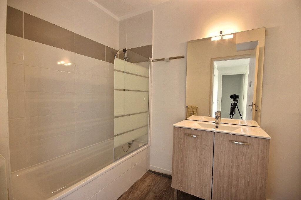 Appartement à louer 4 85m2 à Marseille 12 vignette-6