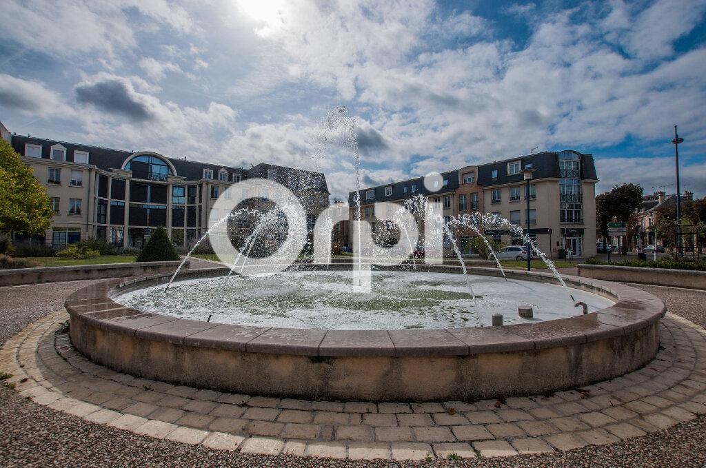 Appartement à vendre 4 105m2 à Soissons vignette-1