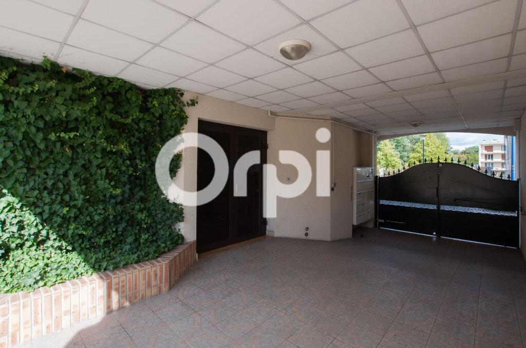Appartement à vendre 4 105m2 à Soissons vignette-2