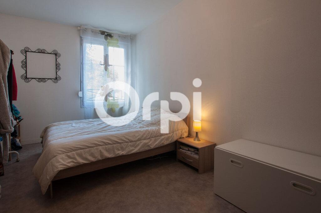 Appartement à vendre 4 105m2 à Soissons vignette-8