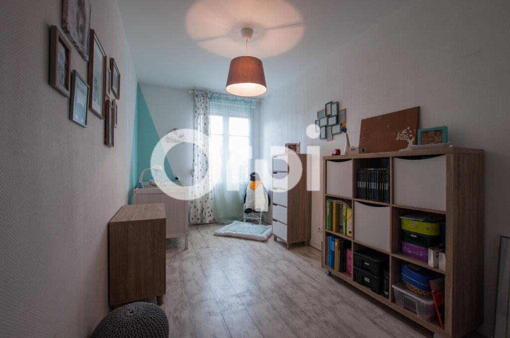 Appartement à vendre 4 105m2 à Soissons vignette-9