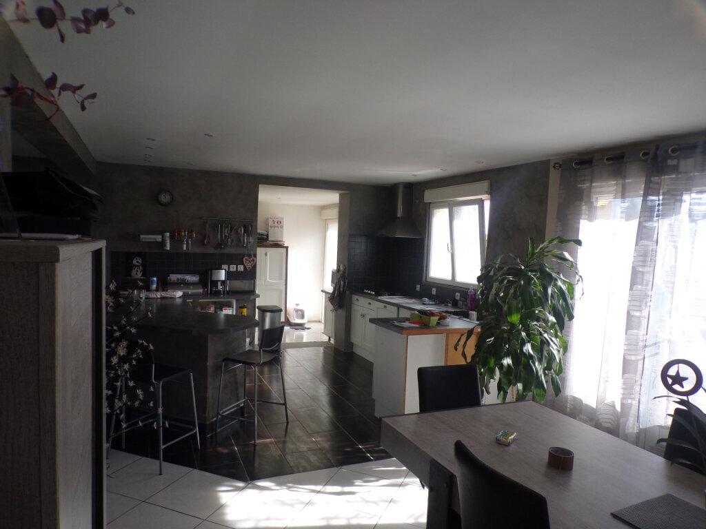 Maison à vendre 6 185m2 à Chavignon vignette-4