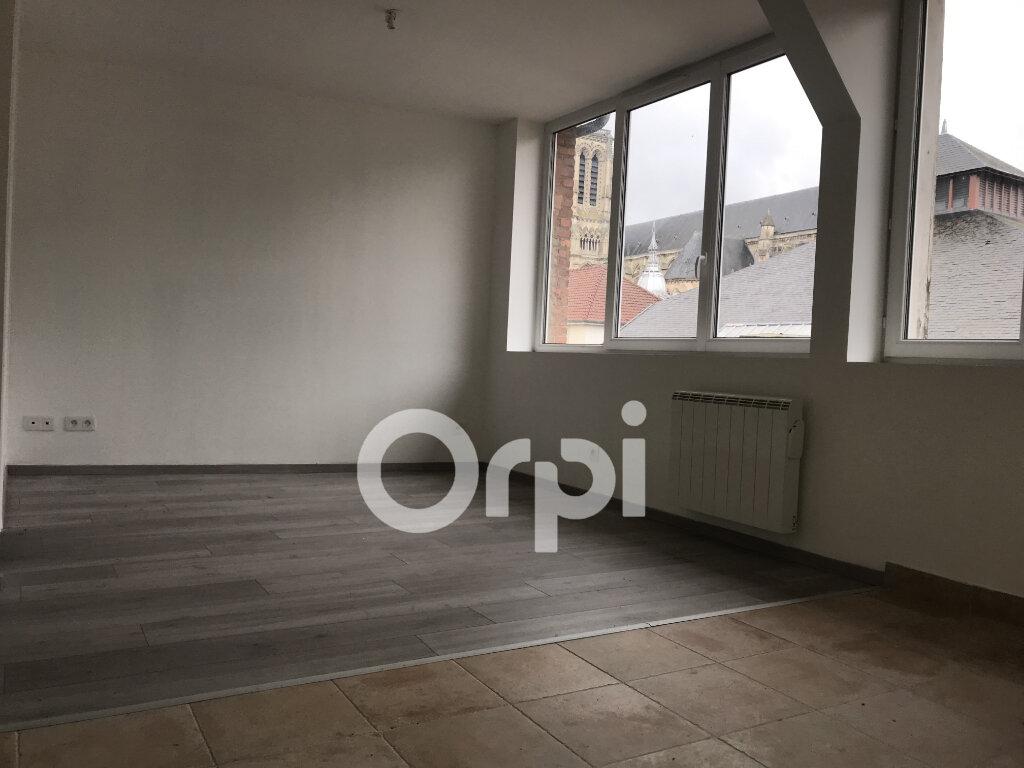 Appartement à louer 1 30m2 à Soissons vignette-1