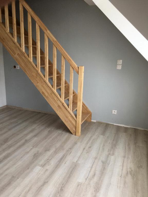 Appartement à louer 4 88.37m2 à Soissons vignette-3