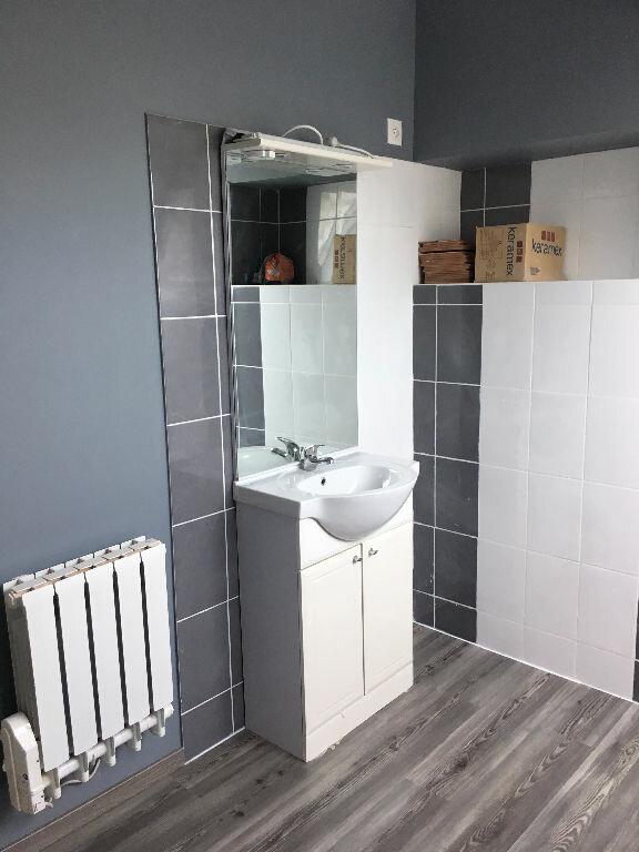 Appartement à louer 4 88.37m2 à Soissons vignette-5