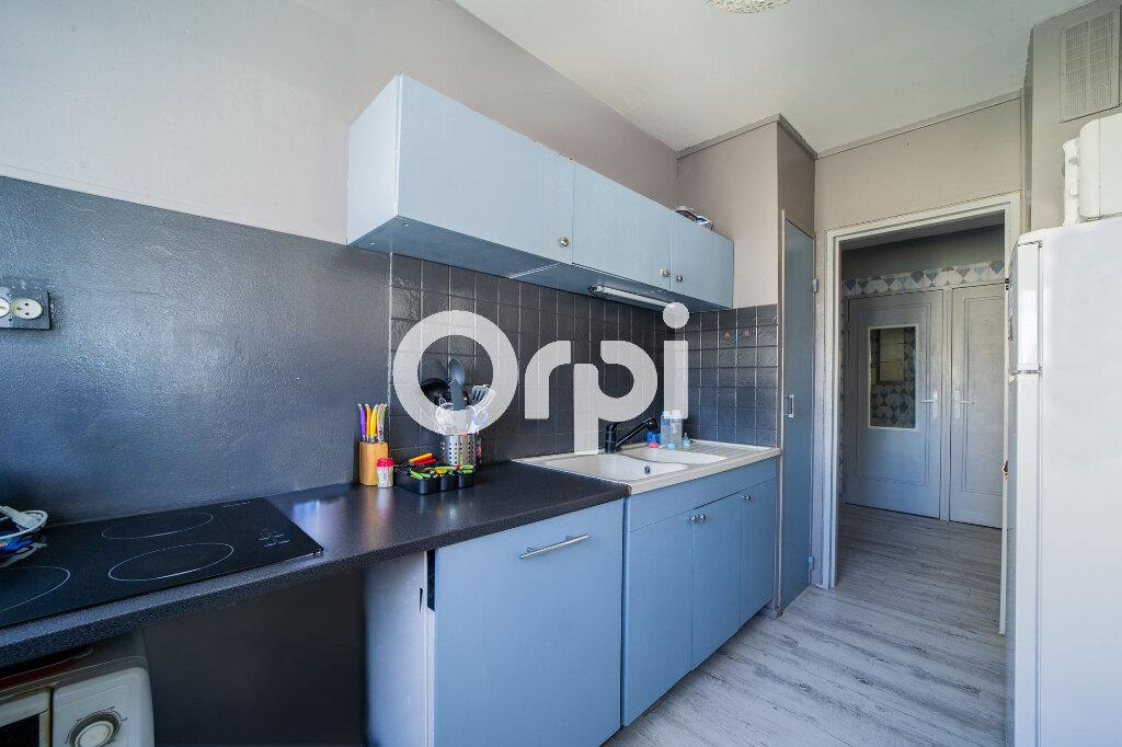 Appartement à vendre 4 74m2 à Crépy-en-Valois vignette-2