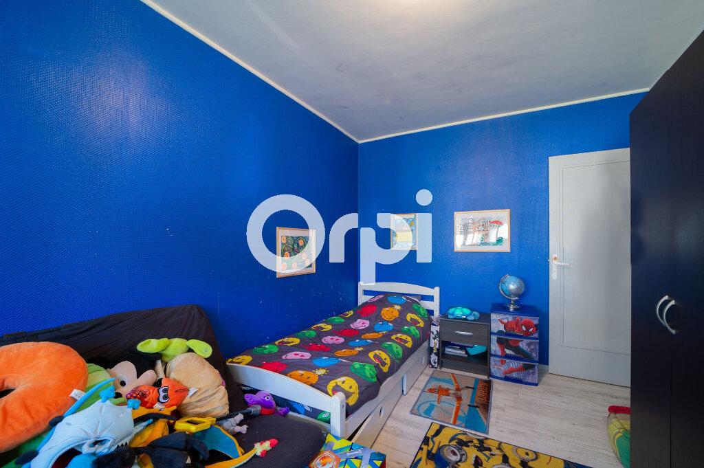 Appartement à vendre 4 74m2 à Crépy-en-Valois vignette-3