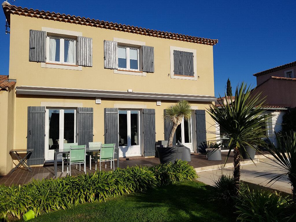 Maison à vendre 4 115m2 à Martigues vignette-1