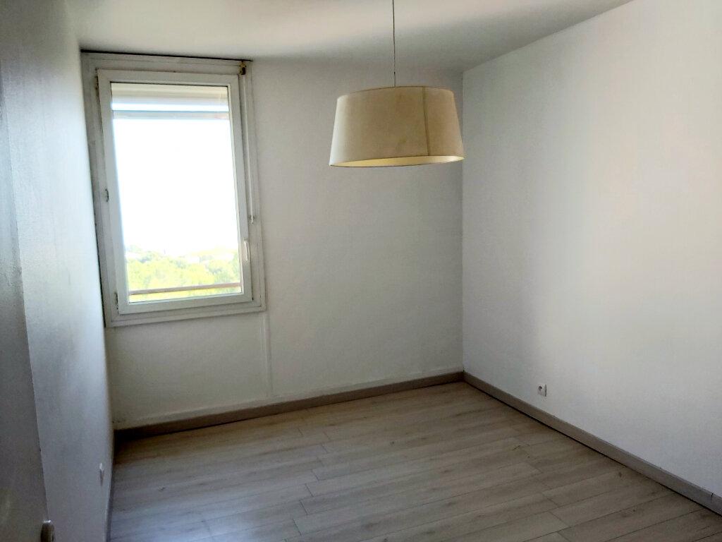 Appartement à louer 3 61.08m2 à Martigues vignette-6