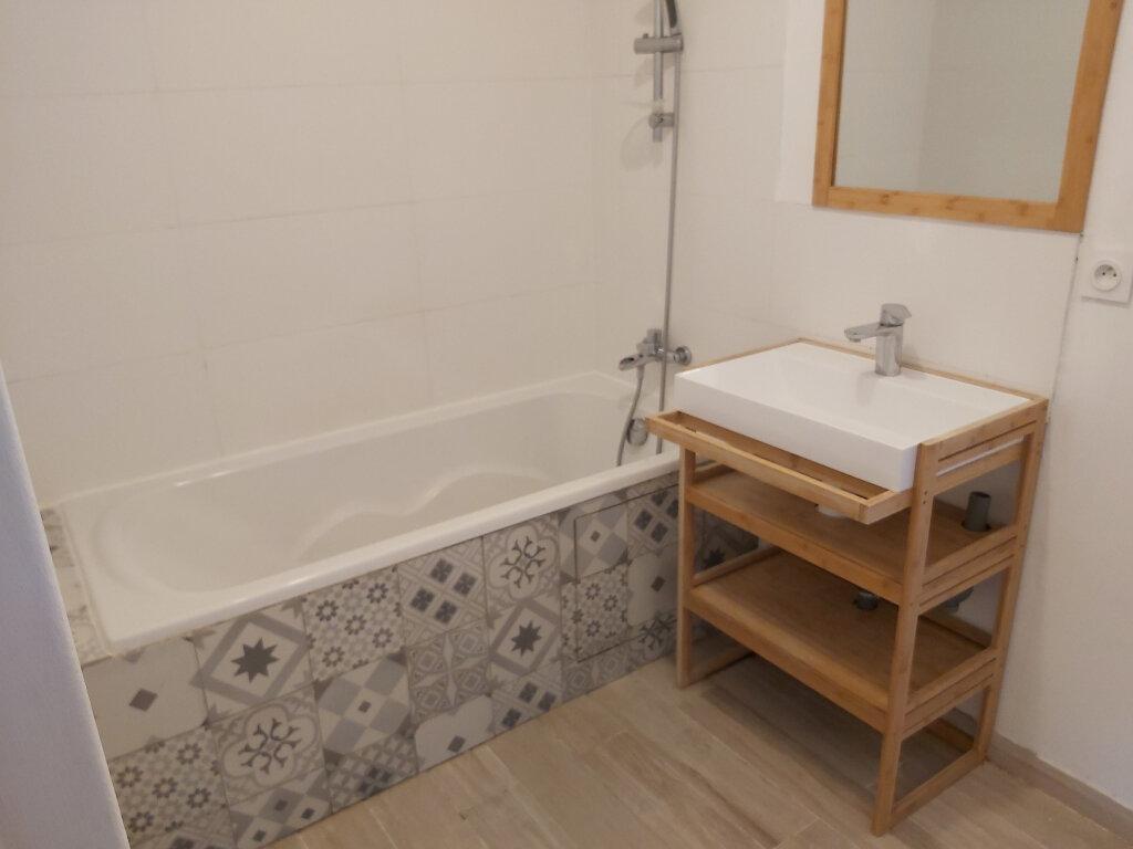 Appartement à louer 3 61.08m2 à Martigues vignette-7