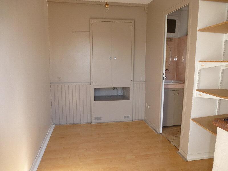 Appartement à louer 1 22m2 à Villeneuve-Loubet vignette-3