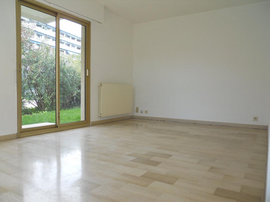 Appartement à louer 2 48m2 à Cagnes-sur-Mer vignette-3
