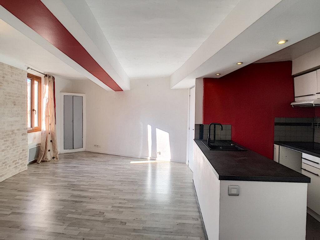 Appartement à louer 3 51.51m2 à Le Bar-sur-Loup vignette-1