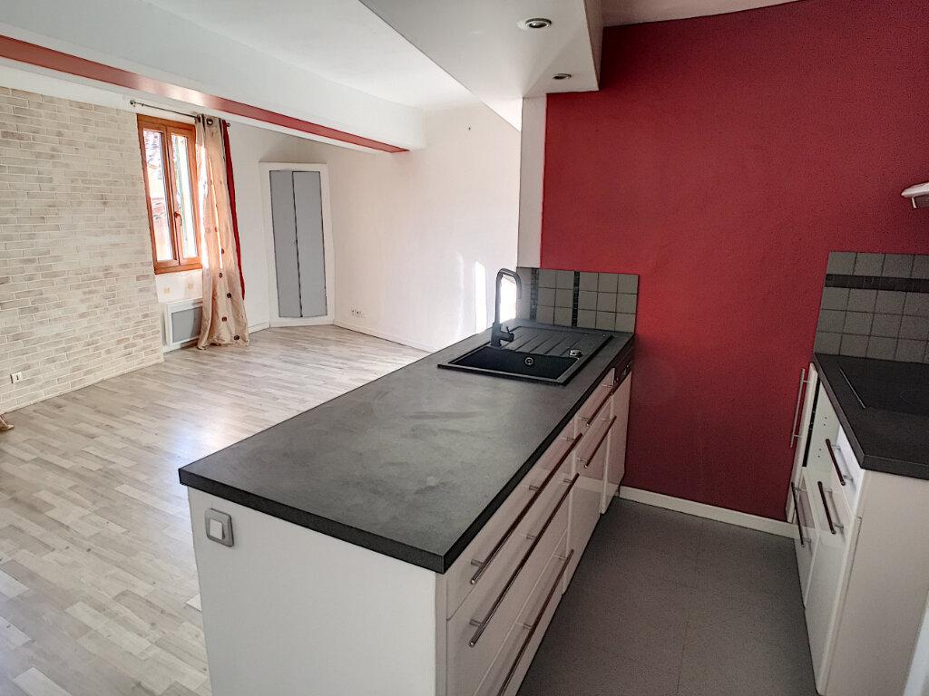 Appartement à louer 3 51.51m2 à Le Bar-sur-Loup vignette-3