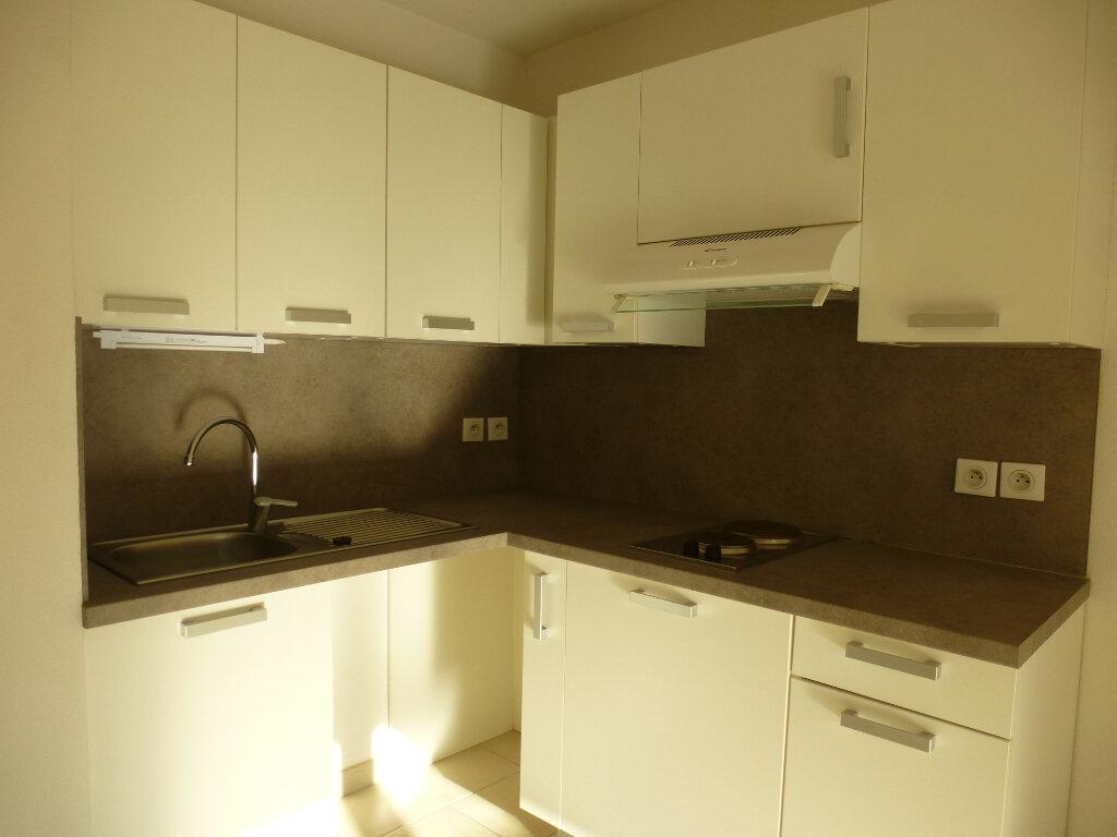 Appartement à louer 2 39.22m2 à Cagnes-sur-Mer vignette-3