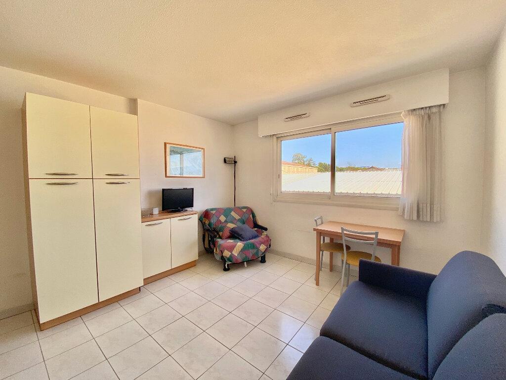 Appartement à louer 1 21m2 à Villeneuve-Loubet vignette-3