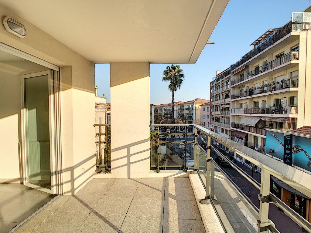 Appartement à louer 2 47.28m2 à Cagnes-sur-Mer vignette-1