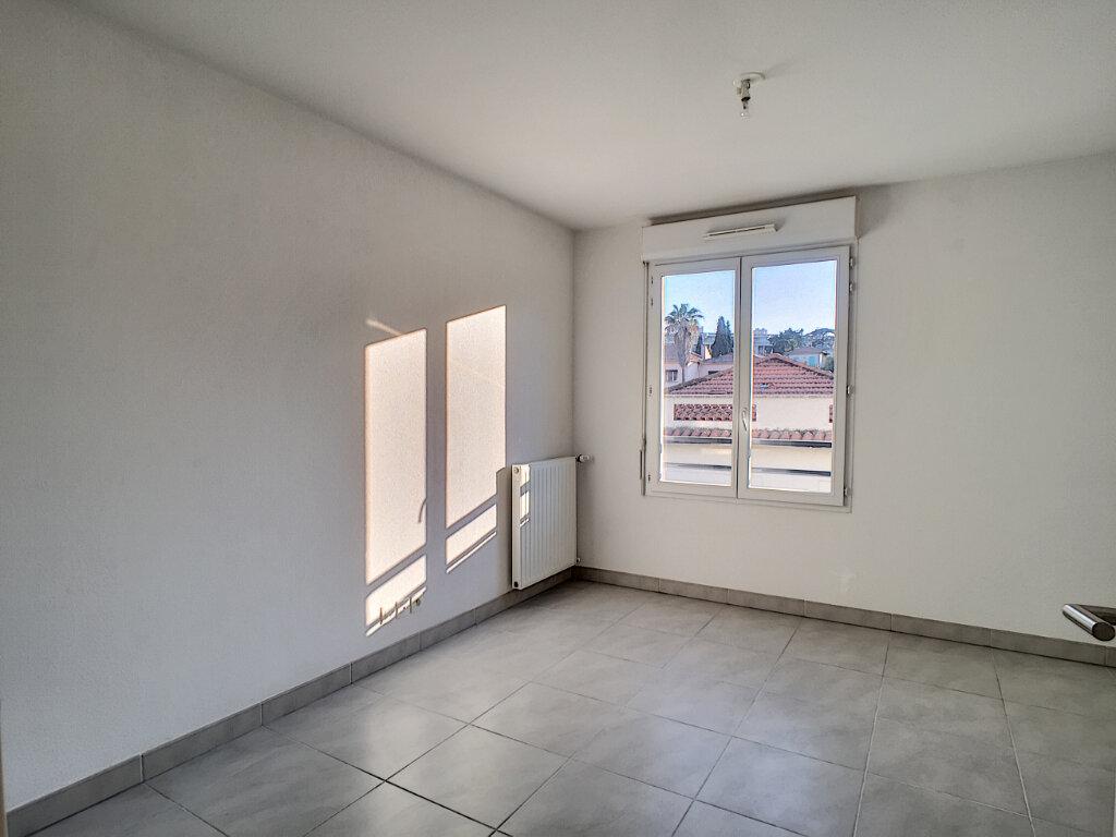 Appartement à louer 2 47.28m2 à Cagnes-sur-Mer vignette-4