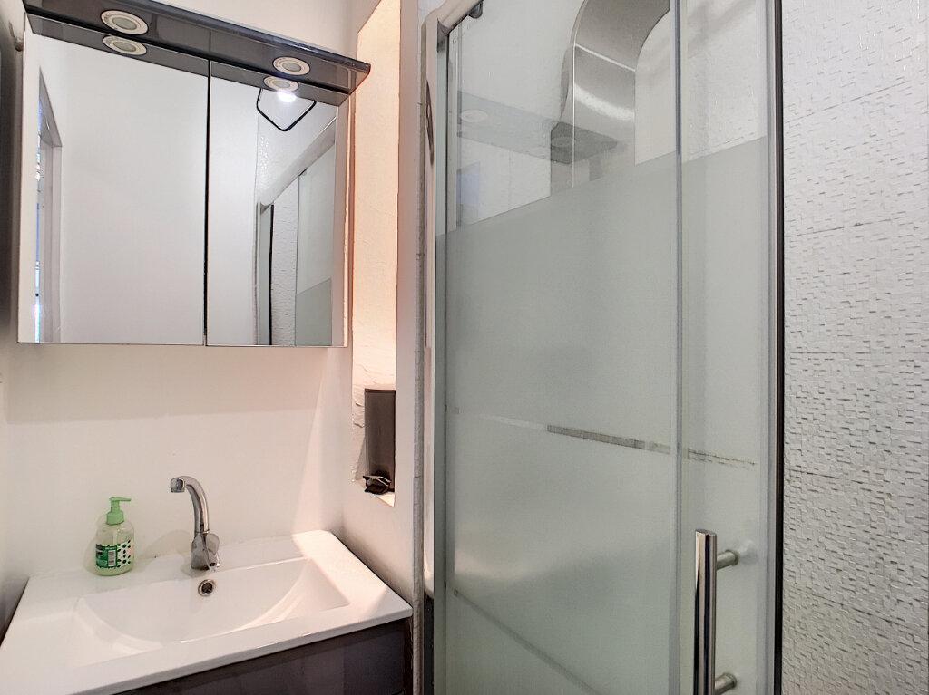 Appartement à louer 1 20.81m2 à Villeneuve-Loubet vignette-4