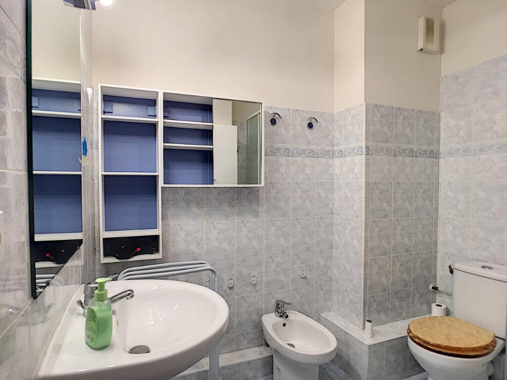 Appartement à louer 2 37.9m2 à Villeneuve-Loubet vignette-6