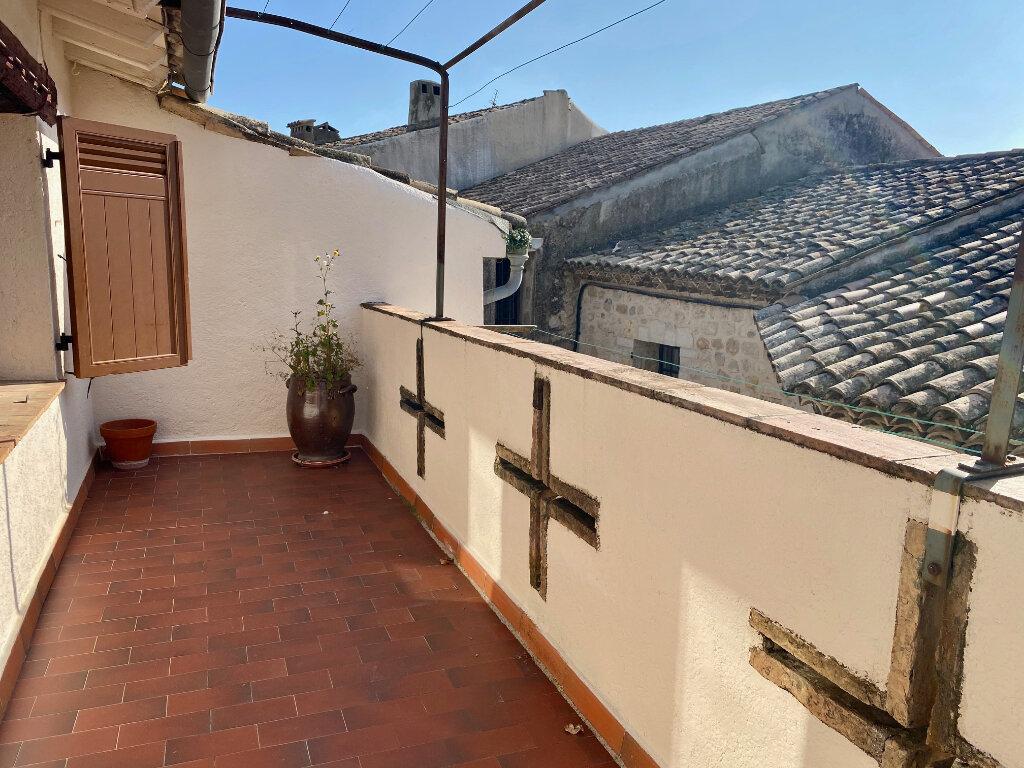 Appartement à louer 4 96.73m2 à Saint-Paul-de-Vence vignette-1