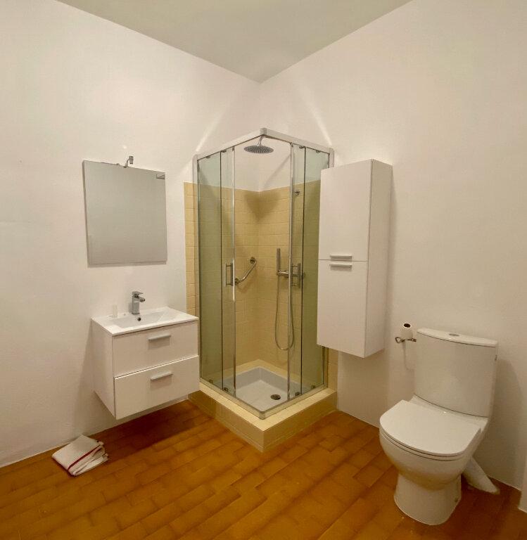 Appartement à louer 4 96.73m2 à Saint-Paul-de-Vence vignette-7