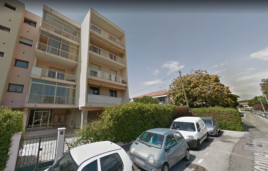 Appartement à louer 3 69.04m2 à Saint-Laurent-du-Var vignette-1