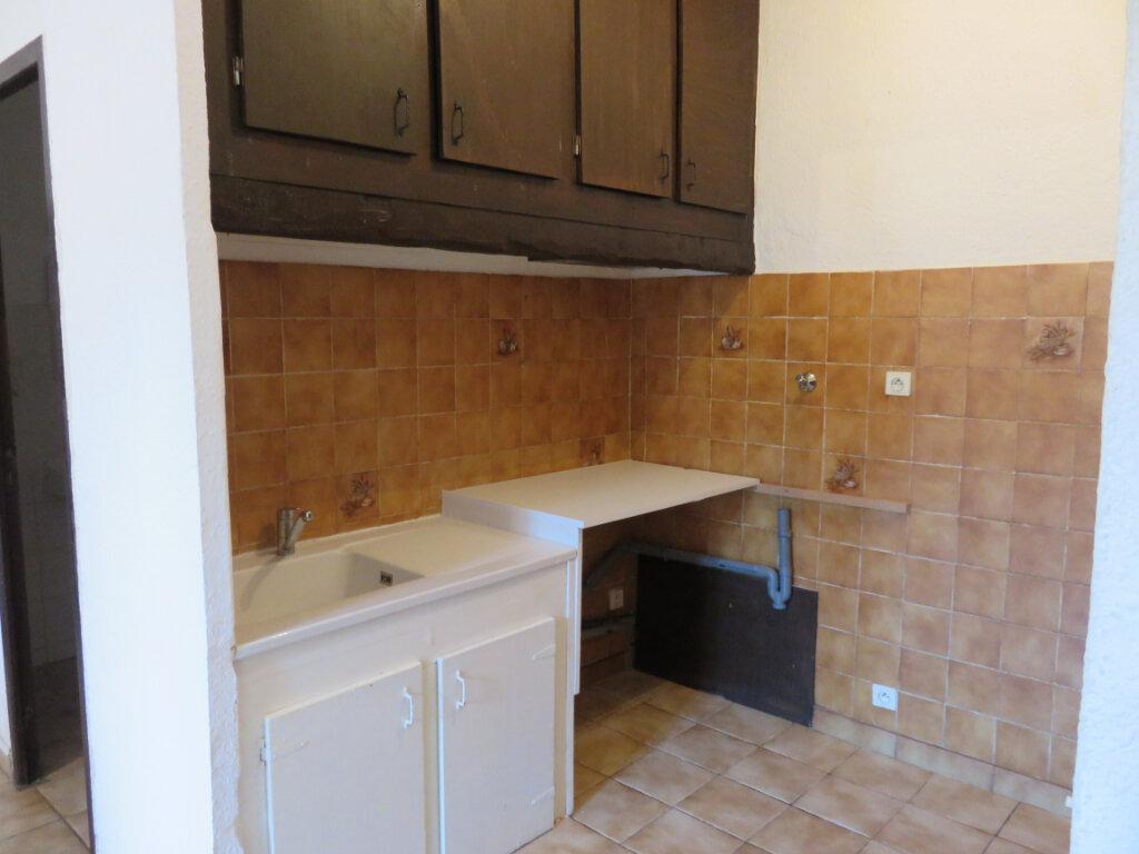 Appartement à louer 1 29.35m2 à Saint-Symphorien-de-Lay vignette-3