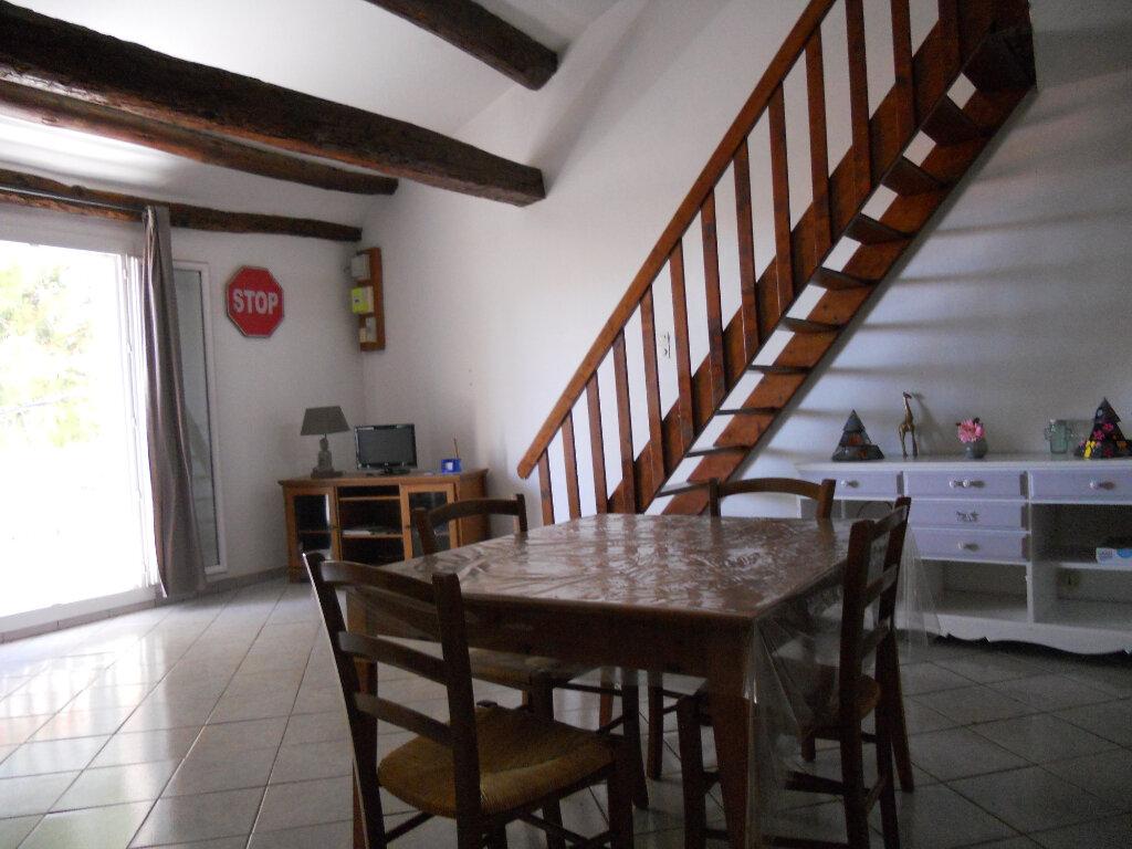 Appartement à vendre 3 69.41m2 à Roquebrune-sur-Argens vignette-2