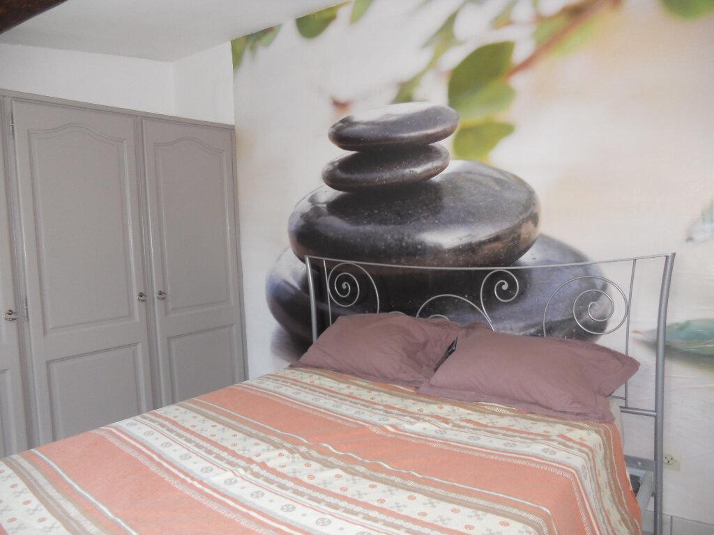 Appartement à vendre 3 69.41m2 à Roquebrune-sur-Argens vignette-6