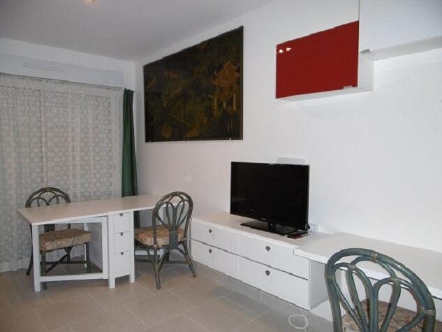 Maison à vendre 10 162.98m2 à Vitry-sur-Seine vignette-1