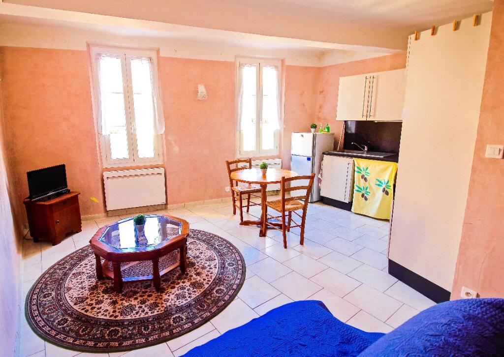 Appartement à louer 2 39.7m2 à Aubagne vignette-1