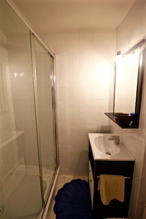 Appartement à louer 2 39.7m2 à Aubagne vignette-4