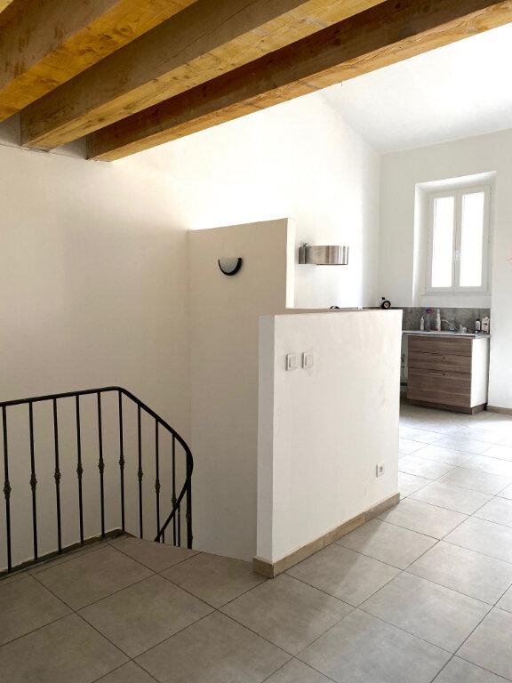 Appartement à louer 3 60.3m2 à Aubagne vignette-1