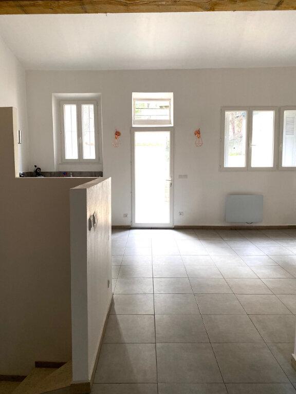 Appartement à louer 3 60.3m2 à Aubagne vignette-4