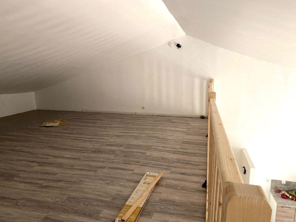 Appartement à louer 3 60.3m2 à Aubagne vignette-5