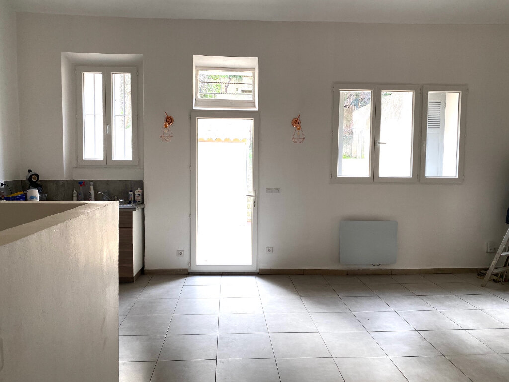 Appartement à louer 3 60.3m2 à Aubagne vignette-6