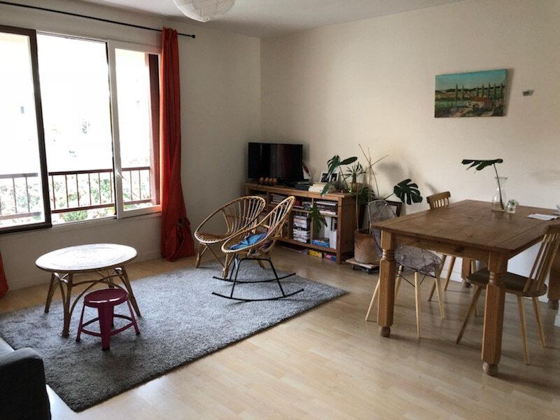 Appartement à louer 3 72m2 à Avignon vignette-1
